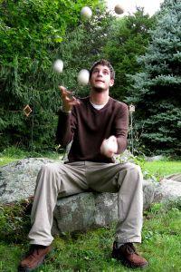 1222377_jugglingbalancing_1