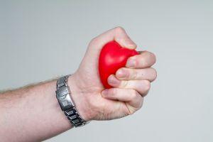 761892_heart_in_your_hands