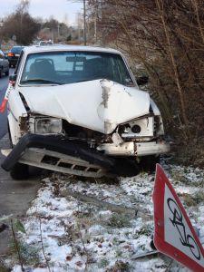 1148745_crashed_car