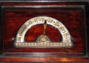 832552_antique_elevator_dial